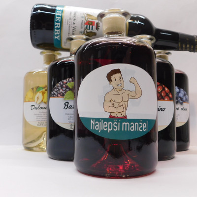 Ovocné víno 0,7 l 5 ks mix muži+ Sherry 0,75l ZADARMO