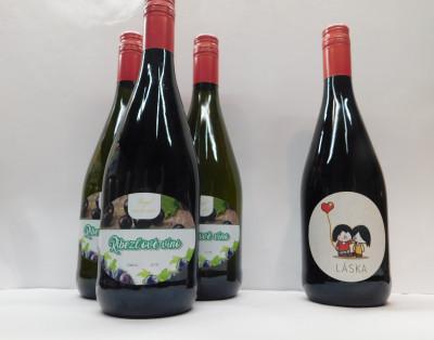 Royal Ríbezľové víno 0,75l  3+1 Zadarmo