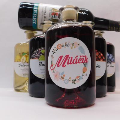 Ovocné víno 0,7 l 5 ks mix  Ženy + Sherry 0,75l ZADARMO