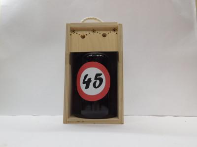 Darčekové balenie 0,7 l narodeniny 45 drevená krabica