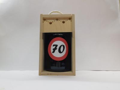 Darčekové balenie 0,7 l narodeniny 70 drevená krabica