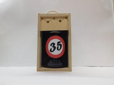 Darčekové balenie 0,7 l narodeniny 35 drevená krabica