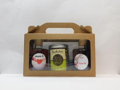 Ovocné víno  2 x 0,2 l Valentín  + sypaný čaj Osviež sa 70g + papierová krabica