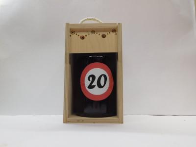 Darčekové balenie 0,7 l narodeniny 20 drevená krabica